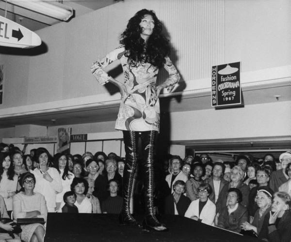 donyale-luna_sydney_1967_pucci