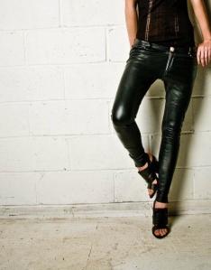 horace-black-leather-cropped-biker-pants_oak-ny2