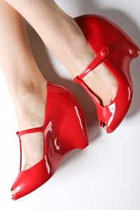 red-vinyl-shoes3