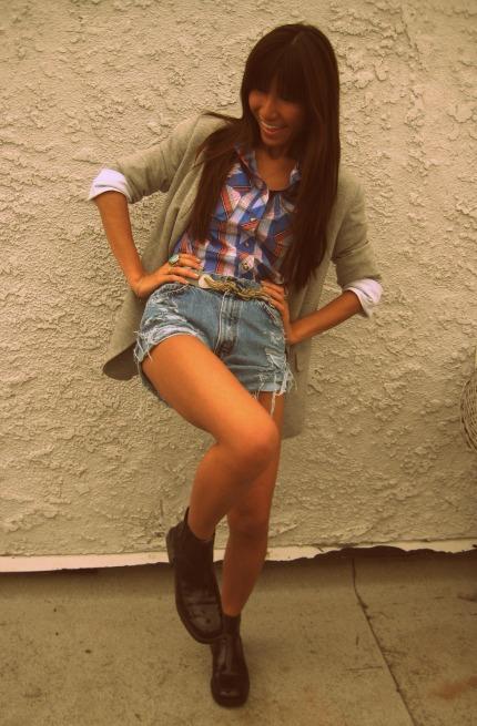 Zara blazer_UO shirt and shorts_Topshop belt3